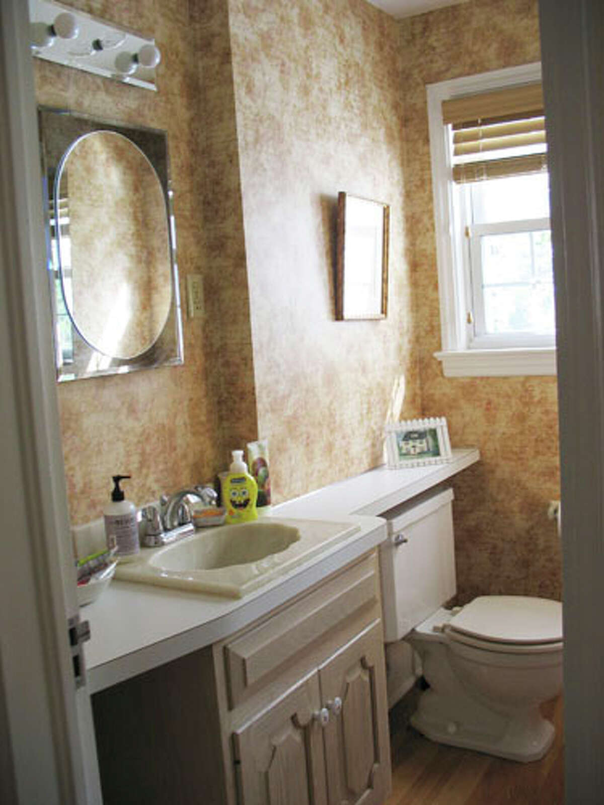 Get inspired with these gorgeous before and after photos and simple, clever tips. Before: Sponge-Painted and Outdated An old toilet and vanity mixed with heavy sponge-painted walls made this bathroom a prime makeover candidate. Read: 5 antique stoves and ovens