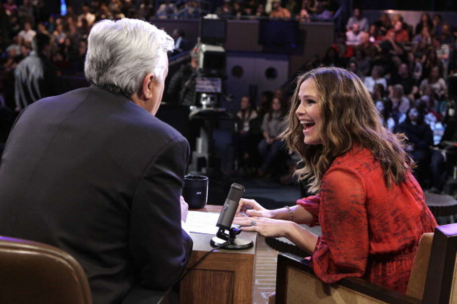Host Jay Leno is pictured chatting to Jennifer Garner during a commercial break on Jan. 18, 2012. Photo: NBC, NBC Via Getty Images / © NBCUniversal, Inc.