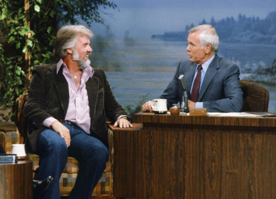 Kenny Rogers interviewed with host Johnny Carson on June 25, 1980. Photo: NBC, NBCU Photo Bank Via Getty Images / 2013 NBCUniversal Media, LLC