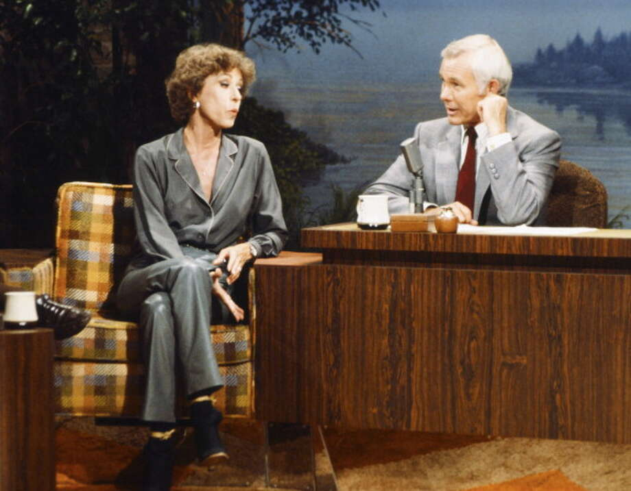Carol Burnett is pictured with host Johnny Carson on Aug. 10, 1979. Photo: NBC, NBCU Photo Bank Via Getty Images / 2013 NBCUniversal Media, LLC