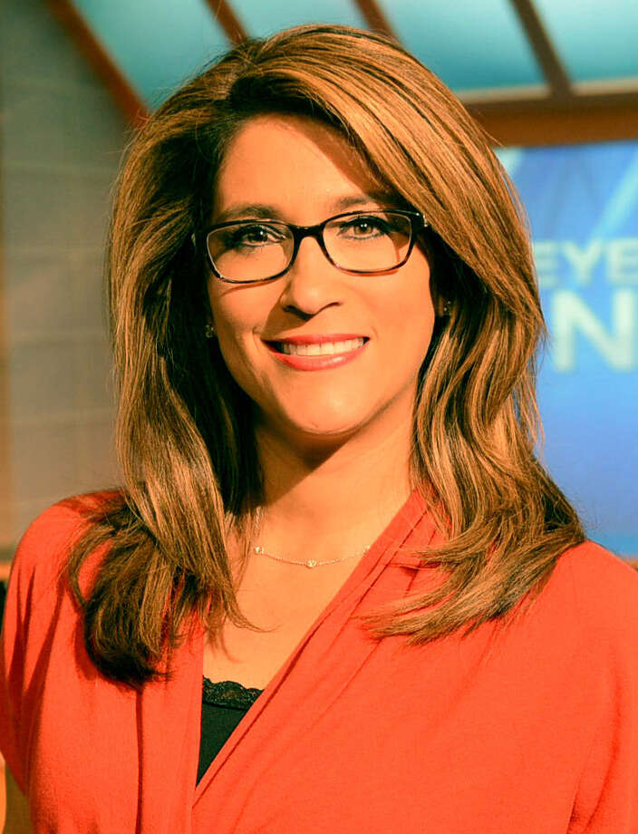 KENS anchorwoman Sarah Lucero has started wearing glasses on the air. Photo: KENS / San Antonio Express-News