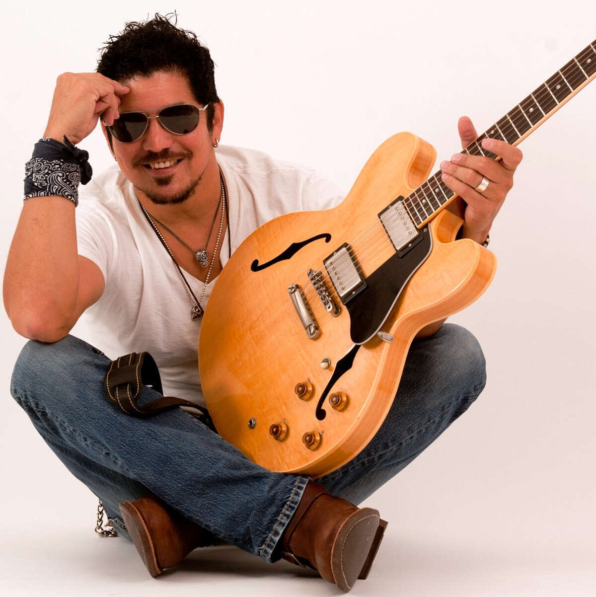 High Horse Lounge 415 Milan San Antonio guitarist/songwriter/band leader Ruben V will perform from 10 p.m. to 1 a.m. Christmas Day.