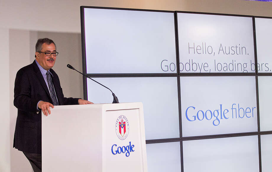 Google's vice president of access services Milo Medin, left, speaks at a news conference on Tuesday, April 9, 2013 in Austin, Texas, announcing that Google will bring its fiber internet service to Austin.  Photo: Alberto Martínez, Associated Press / Austin American-Statesman