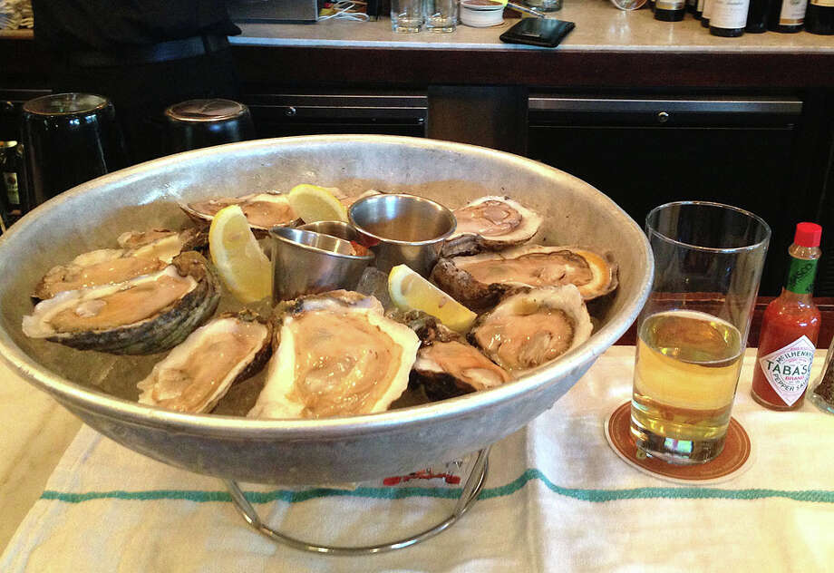 Oysters on the half shell at 50 cents each. Photo: BENJAMIN OLIVO, MySA.com
