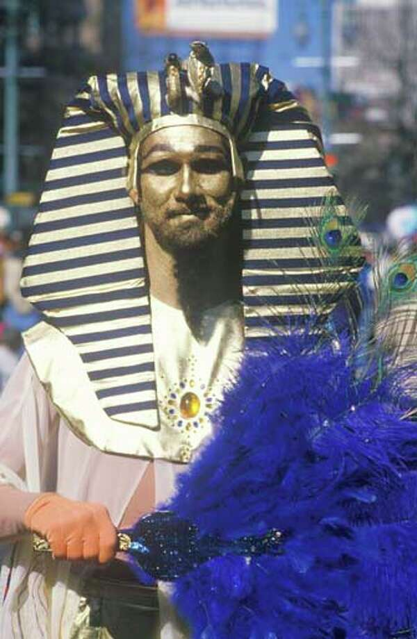 A man in Egyptian costume in the Mardi Gras Parade in New Orleans, Louisiana in January 1988. Photo: Visions Of America, UIG Via Getty Images / © 2004 VisionsofAmerica.com/Joe Sohm.  All Rights Reserved. (800) SOHM-USA (764-6872)