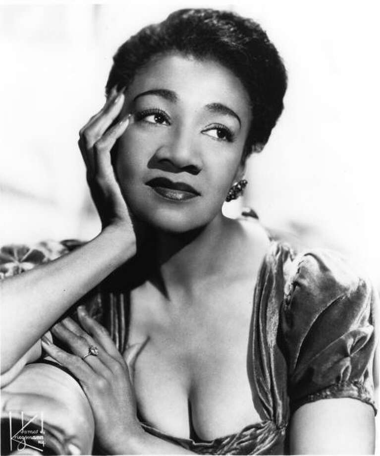 Alberta Hunter poses for a studio portrait in 1950 in the United States. (Photo by Gilles Petard/Redferns) Photo: Gilles Petard, Redferns / 1950 Gilles Petard