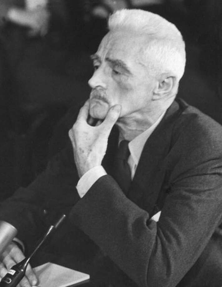 Author Dashiell Hammett at Senate Permanent Investigating Committee hearing on Communism. Photo: Hank Walker, Time & Life Pictures/Getty Image / Time Life Pictures