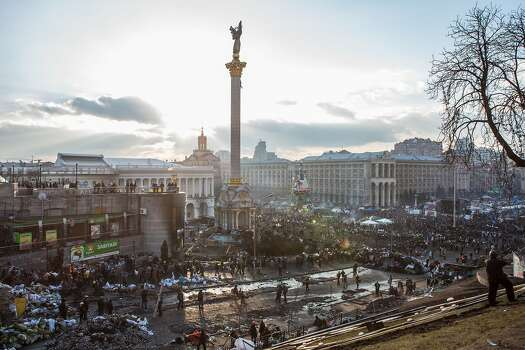 KIEV, UKRAINE - FEBRUARY 20: The afternoon sun shines over Independence Square on February 20, 2014 in Kiev, Ukraine. Dozens of protesters were reportedly been killed after violence flared again between police and anti-government protesters, who are calling to oust President Viktor Yanukovych over corruption and an abandoned trade agreement with the European Union.  (Photo by Brendan Hoffman/Getty Images) Photo: Brendan Hoffman, Getty Images