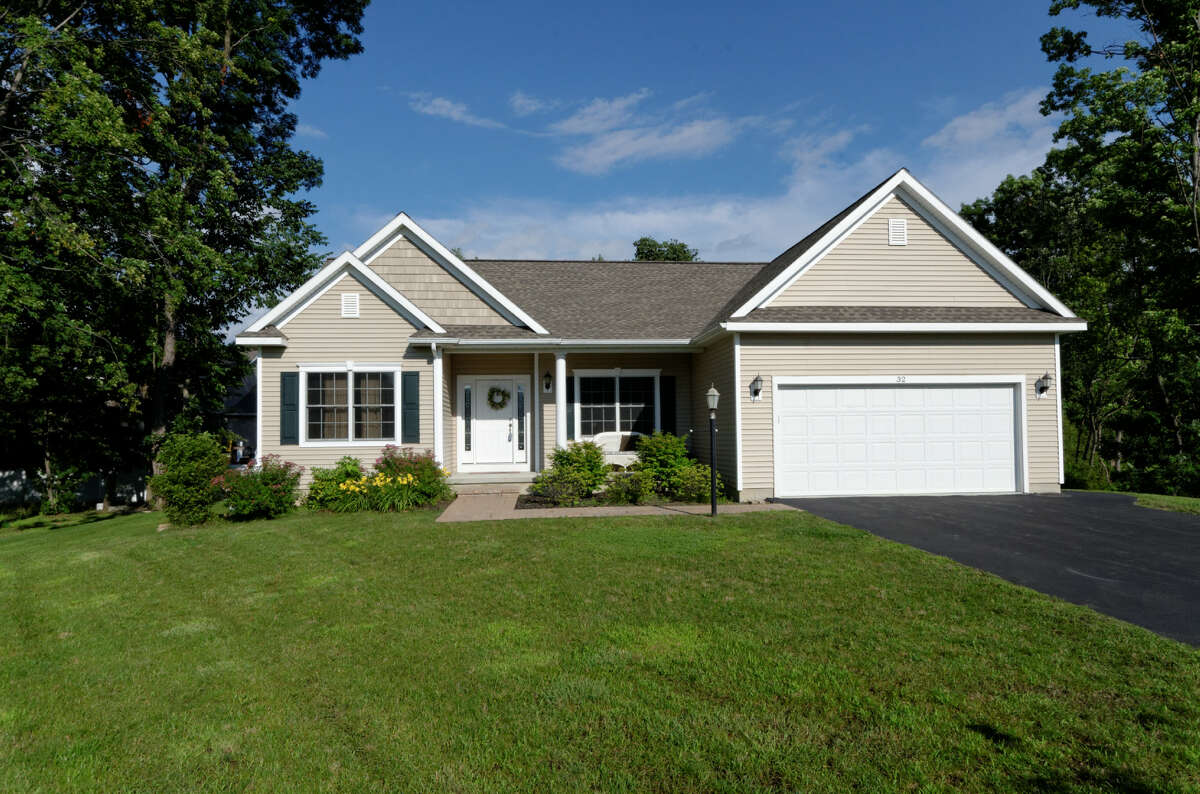 House of the Week: 32 Laura Lane, Niskayuna | Realtor: Anthony Gucciardo of Gucciardo Real Estate | Discuss: Talk about this house