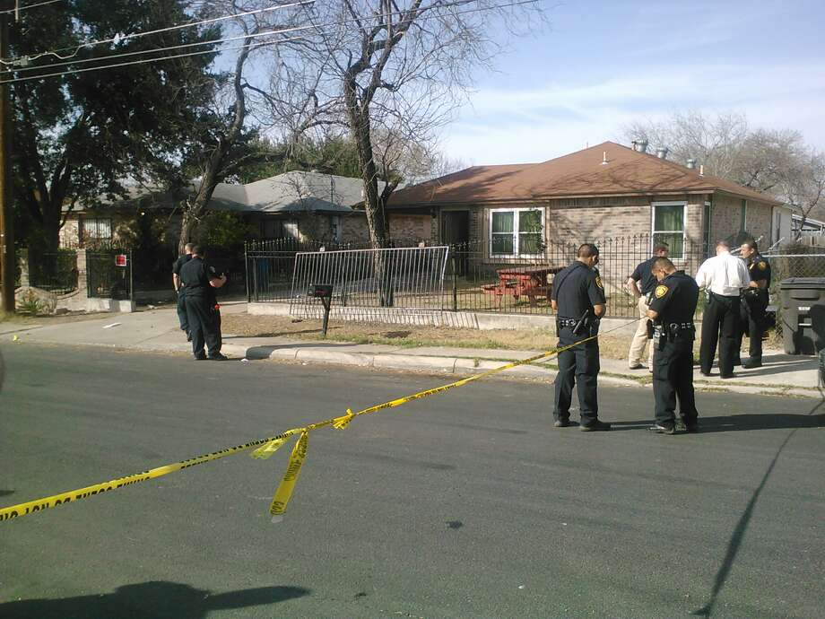 Police investigate shooting on the South Side. Photo:  Mark D. Wilson