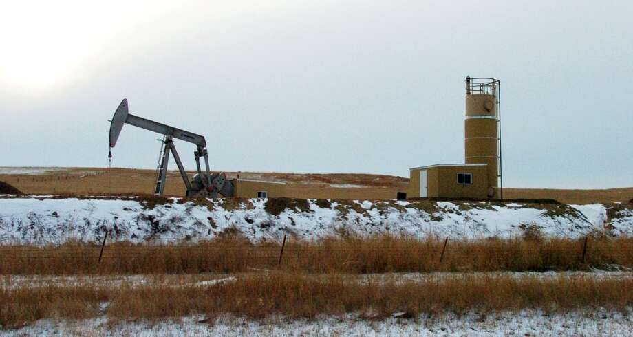 6. Bakken Shale  Total water use: 6.2 billion gallons Average water per well: 2.2 million gallons Number of wells: 2,831  [Photo: An oil well near Sidney, Mont.] Photo: Matt Brown, Associated Press