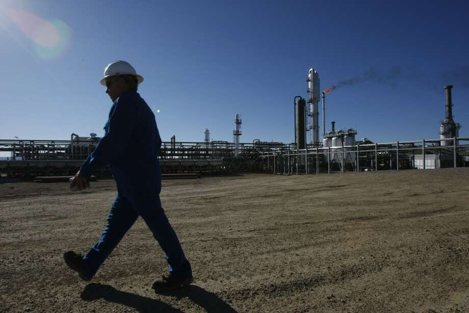 8. Piceance Basin  Total water use: 4.4 billion gallons Average water per well: 2.6 million gallons Number of wells: 1,697  [Photo: Terry Cutright, a plant operator at the Enterprise Products Operating L.P. Meeker Gas Plant, walks past the plant that sits in the heart of the Piceance Basin on the western slope of the Rocky Mountains.] Photo: Johnny Hanson, Houston Chronicle