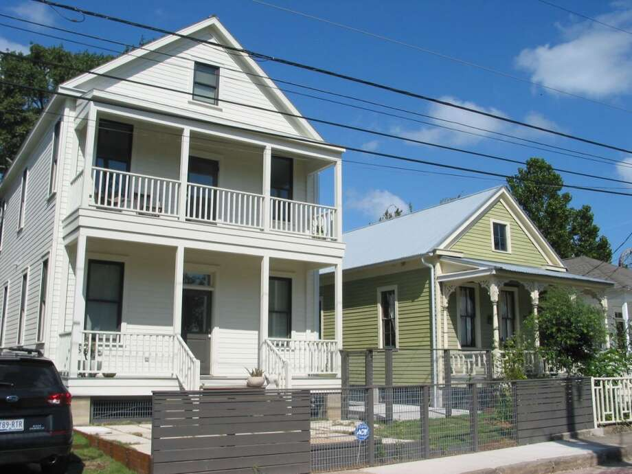 2011 WinnerRenovation: 705-707 Sabine Street