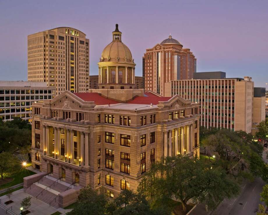2012 WinnerPresident's Award: Harris County's restoration of the historic county courthouse, originally built in 1910