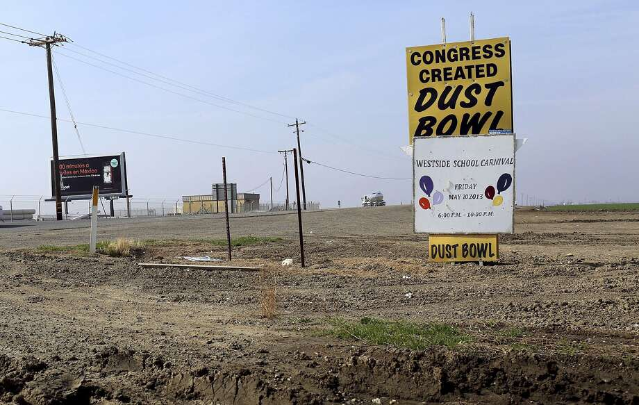 A sign is seen at an intersection near Cantua Creek, California in this February 14, 2014 file photo.The worsening drought in California will for the first time force a complete cutoff of federally supplied irrigation water to most farm districts in the state's Central Valley heartland this year, the U.S. Bureau of Reclamation said on February 21, 2014.  REUTERS/Robert Galbraith/Files  (UNITED STATES - Tags: BUSINESS ENVIRONMENT AGRICULTURE) Photo: Robert Galbraith, Reuters