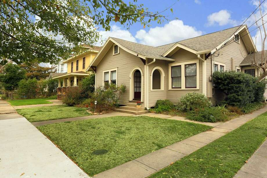 723 Euclid: This 1930 home has 3 bedrooms, 2 bathrooms, 1,412 square feet, and is listed for $485,000. Open house: 2/23/2014, 3 p.m. to 5 p.m. Photo: Houston Association Of Realtors