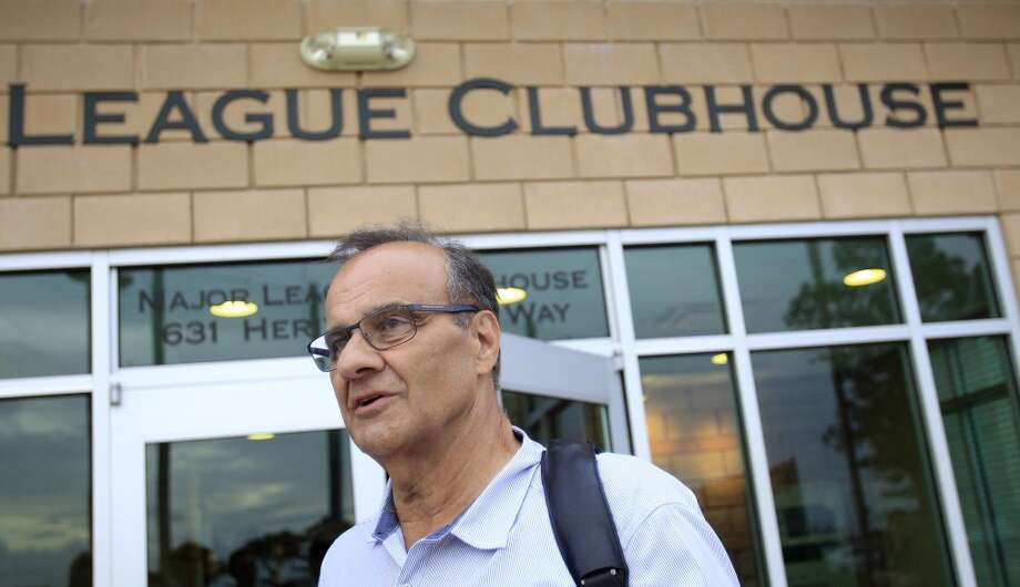 Joe Torre, Executive Vice President of Baseball Operations for Major League Baseball stops to speak to the media. Photo: Karen Warren, Houston Chronicle