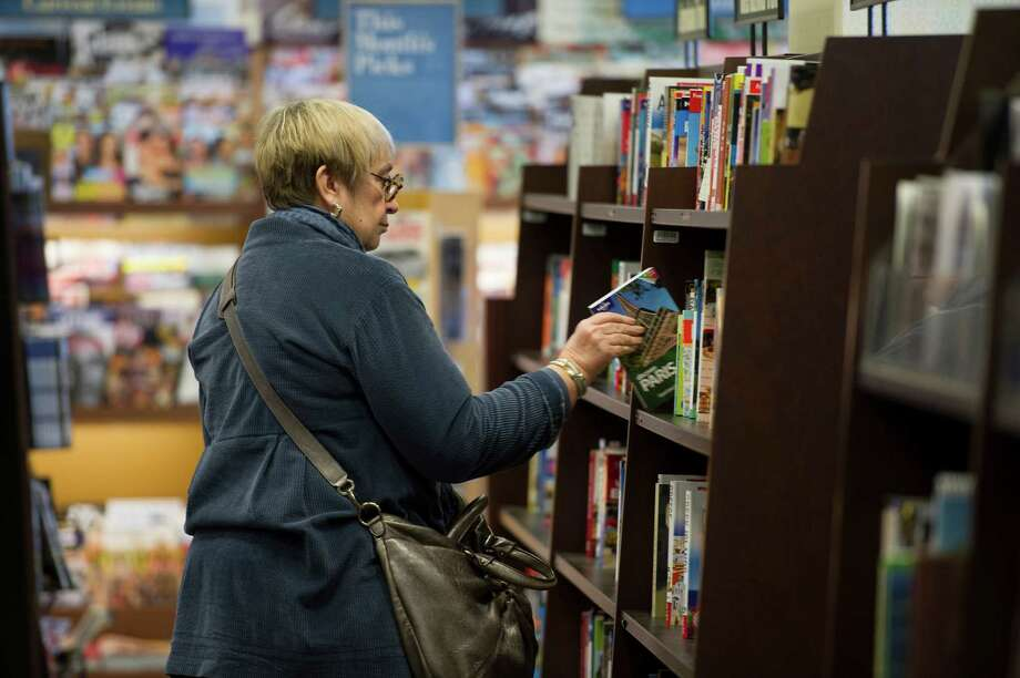 A customer browses at a Barnes & Noble store in Emeryville, Calif. Photo: David Paul Morris / © 2012 Bloomberg Finance LP