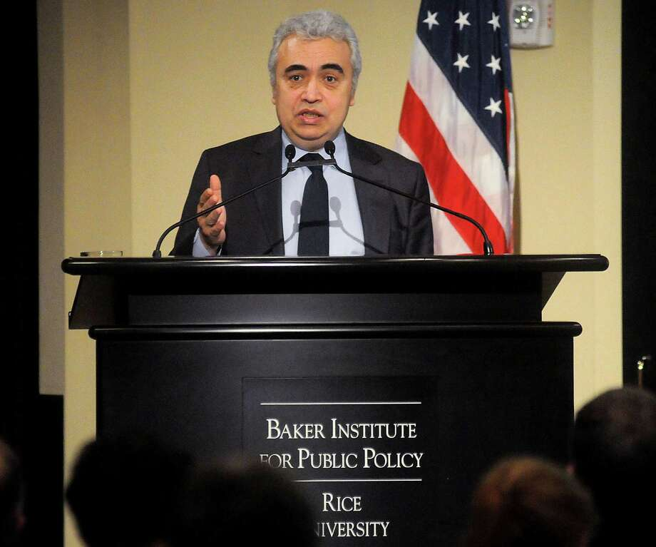 "Fatih Birol, chief economist for the International Energy Agency (IEA) in Paris, presents ""World Energy Outlook 2013"" at Rice University's Baker Institute for Public Policy Wednesday Feb 20, 2014.(Dave Rossman photo) Photo: Dave Rossman, Freelance / Freelance"