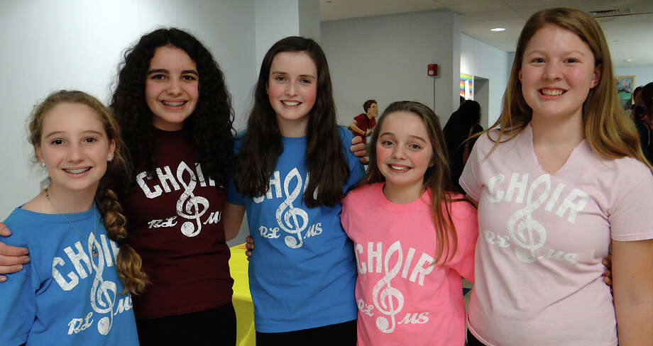 Roger Ludlowe Middle School's Middle Ground group members at A Cappella Night were, from left, Sophie Bates, 12; Alex Therriault, 13; Kieran Brown, 14; Ella Therriault, 11, and Charlotte Meyer, 13. Photo: Mike Lauterborn / Fairfield Citizen contributed