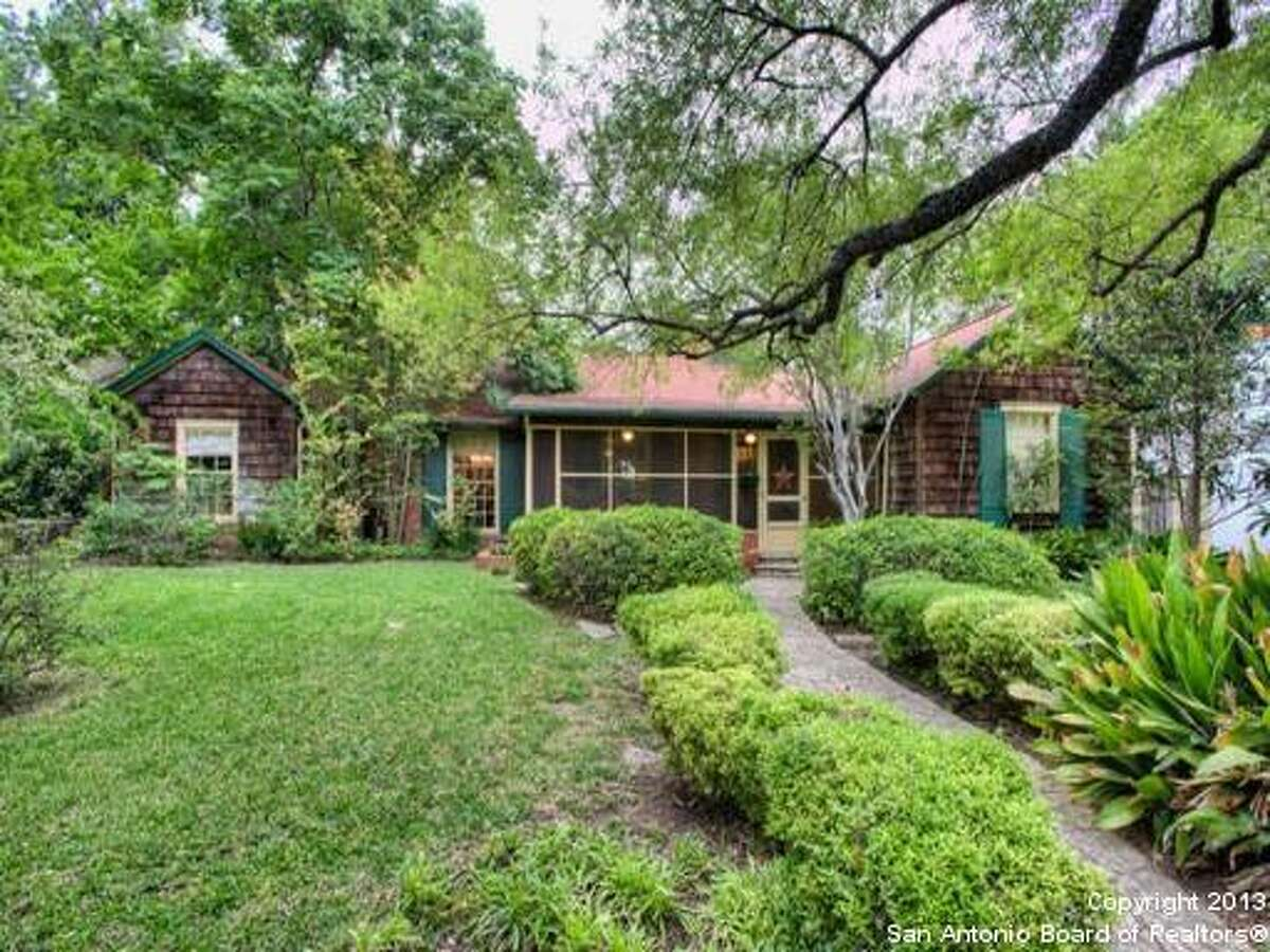 Totally charming Alamo Heights bungalow with all the right ingredients. Enjoy cool evening breezes on front screened porch or relaxing on hidden covered rear patio.Asking price: $479,000 - 211 Halcyon Place San Antonio, TX 78209-3824FeaturesBedrooms: 3Full Baths: 2Listing: Kuper Sotheby's Int'l Realty