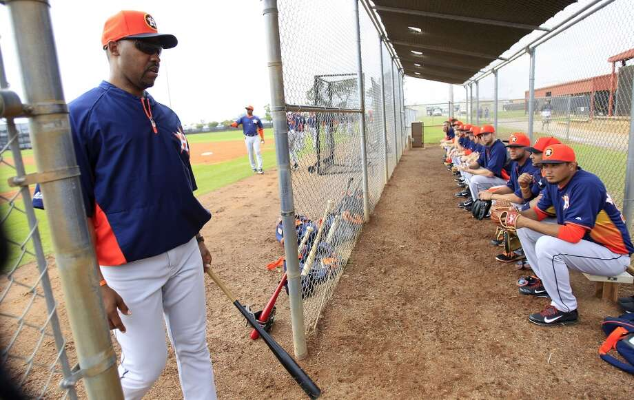 Astros manager Bo Porter walks in the dugout during spring training drills. Photo: Karen Warren, Houston Chronicle