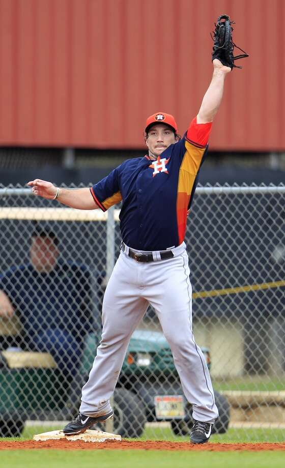 Brett Wallace of the Astros makes a catch during a spring training workout. Photo: Karen Warren, Houston Chronicle
