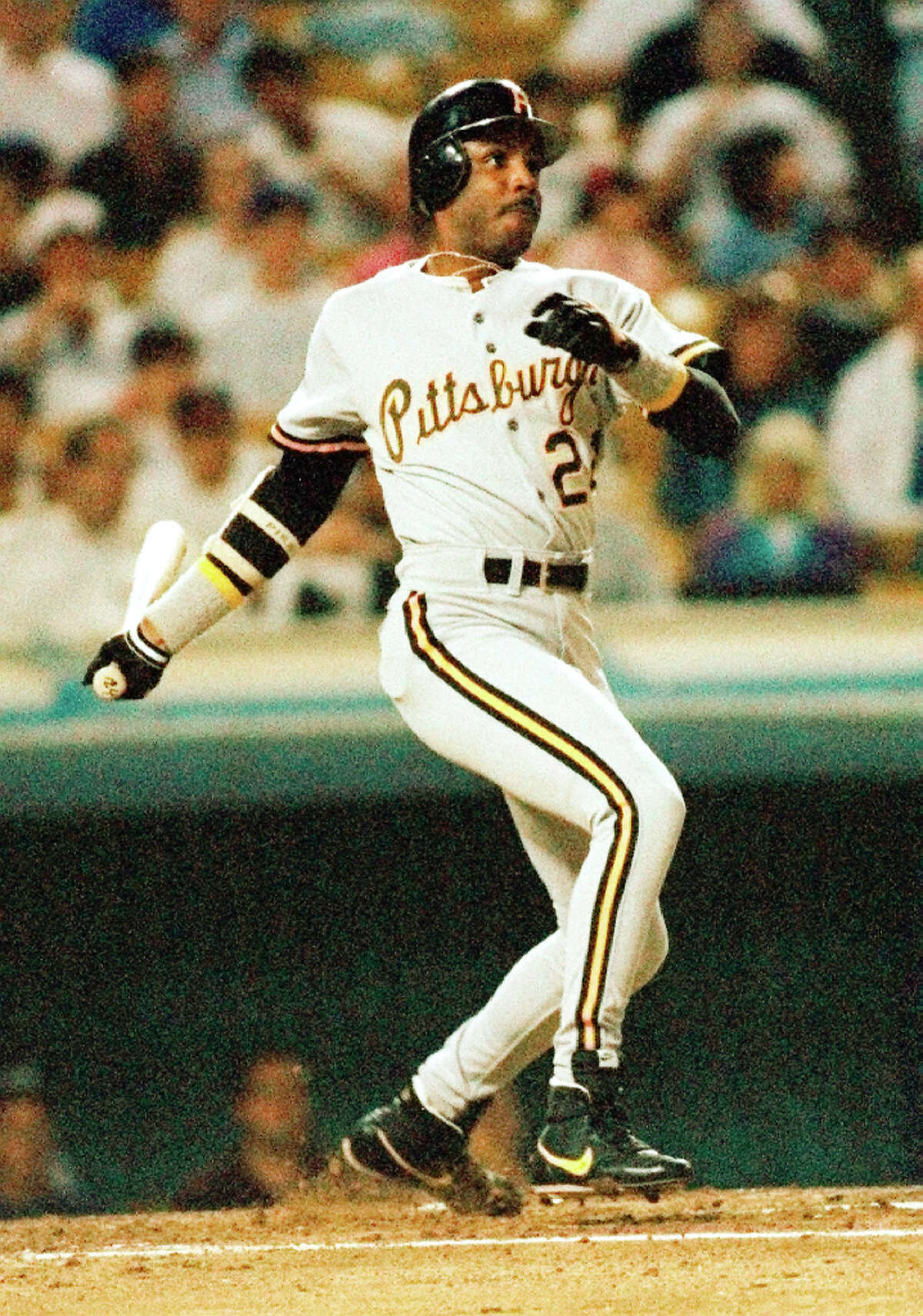 Pittsburgh Pirates' Barry Bonds hits against the Los Angeles Dodgers in this August. 25, 1992 file photo.