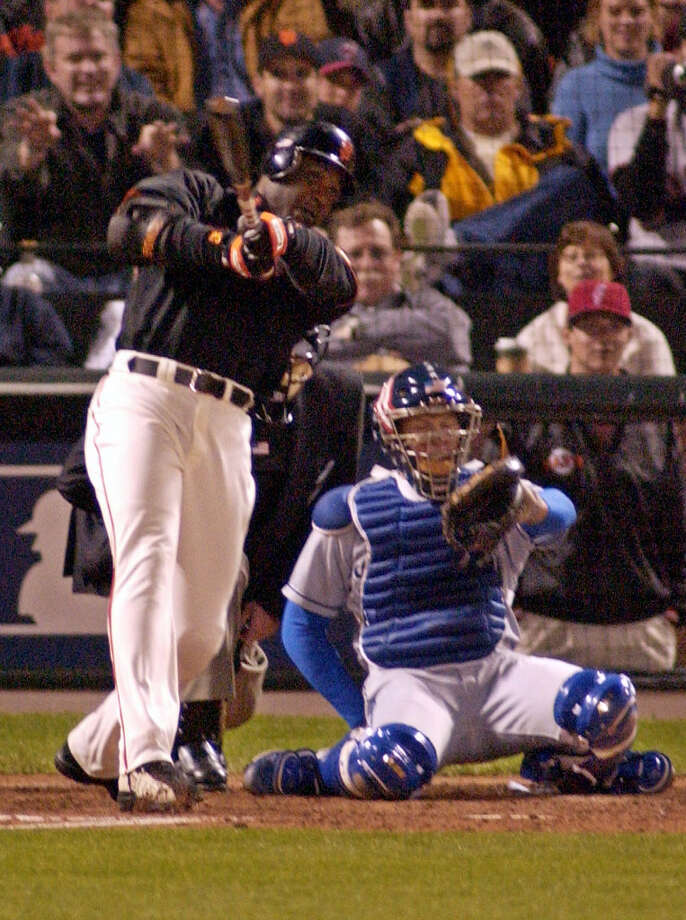 San Francisco Giants' Barry Bonds hits his 72nd home run of the season in the third inning against the Los Angeles Dodgers, Friday, Oct. 5, 2001, at Pacific Bell Park in San Francisco.  Bonds has the record for most home runs in a season beating Mark McGwire's home run record set in 1998. Photo: Ben Margot, AP / AP