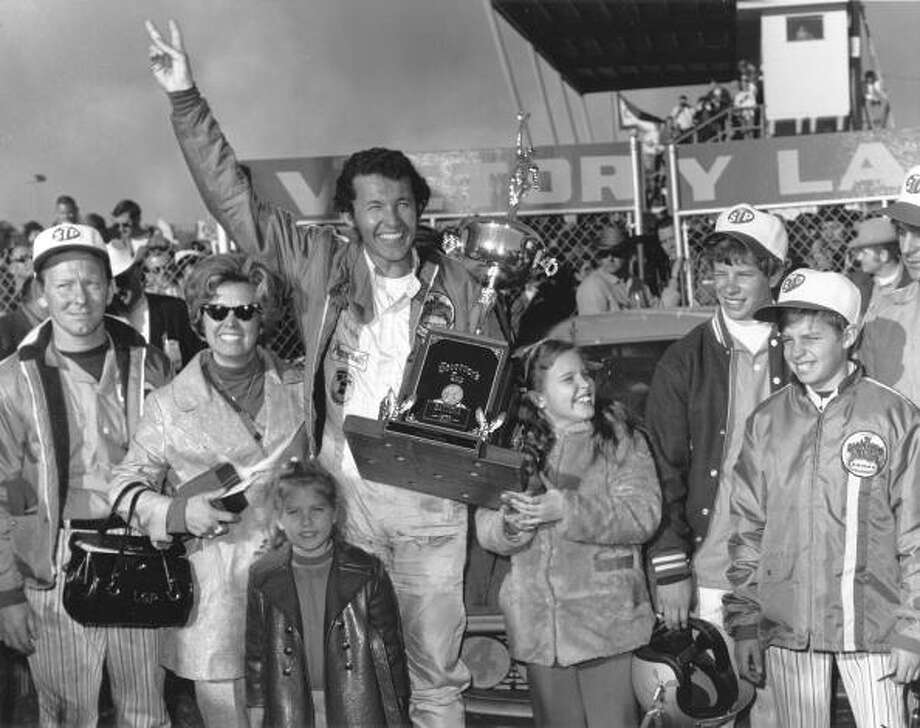 1971: Richard Petty Driving a PlymouthStarting position: 5 Third Daytona 500 win Photo: RacingOne, Getty Images / 2010 RacingOne