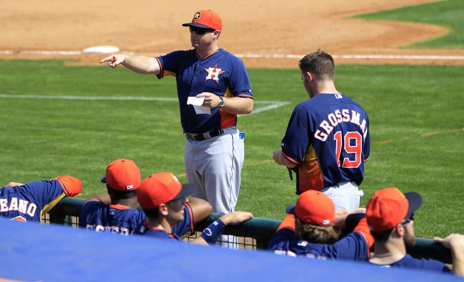 "Morgan Ensberg, Astros special assignment coach talks to his ""team"" during the Astros' intra-squad game. Photo: Karen Warren, Houston Chronicle"
