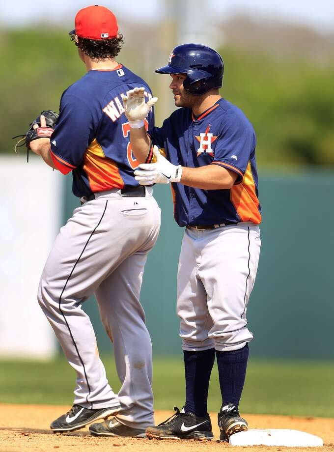 Jose Altuve reacts after hitting a double. Photo: Karen Warren, Houston Chronicle