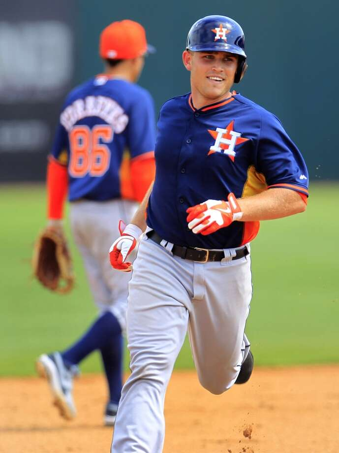 Catcher Max Stassi runs the bases after his home run. Photo: Karen Warren, Houston Chronicle