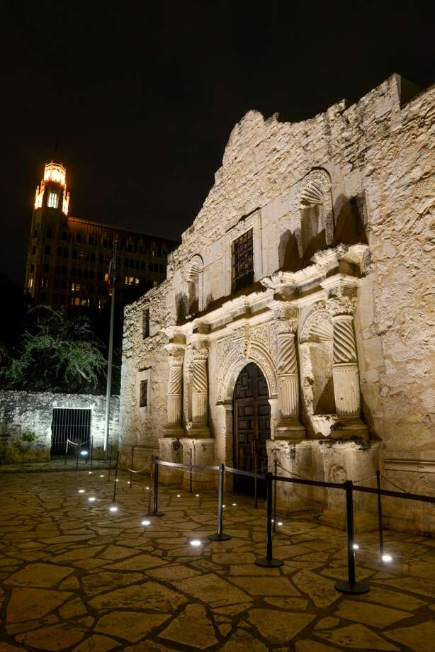 Despite the momentous events that took place at the Alamo, visitors are not offered the comprehensive and moving experience the shrine deserves. Photo: Express-News File Photos