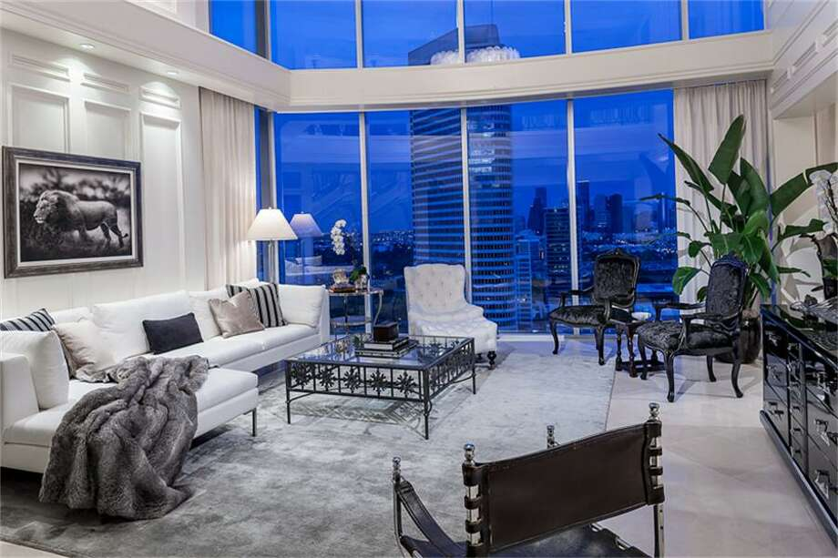 From stunning views to high-end finishes, this custom penthouse doesn't disappoint. Photo: Houston Association Of Realtors