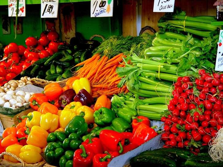 Fotolia - farmer's market  PRODUCE VEGETABLES
