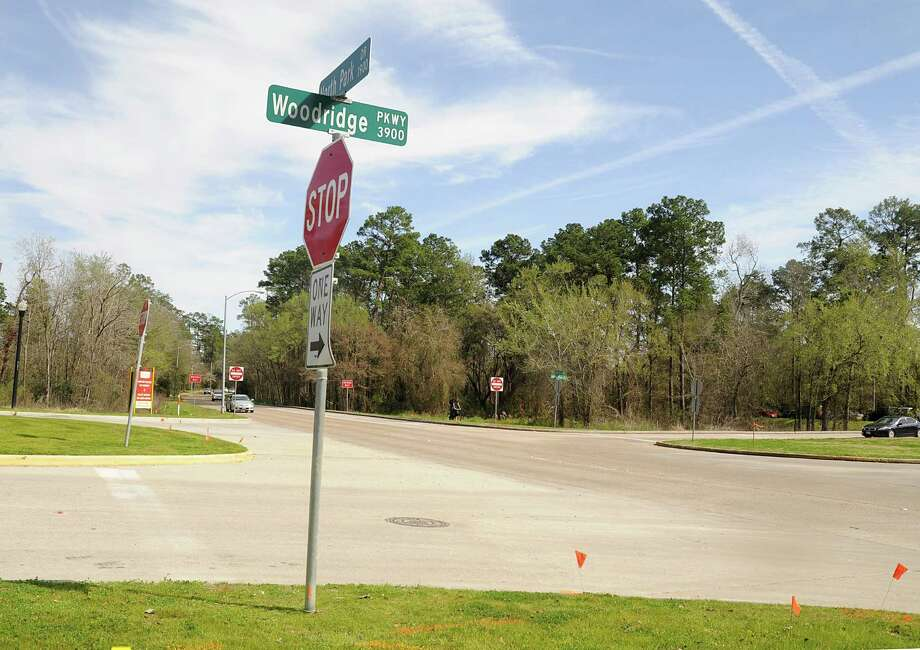 A dedicated right-turn lane at the intersection of Northpark Drive at Woodridge Parkway will anticipate accommodating large traffic volumes.A dedicated right-turn lane at the intersection of Northpark Drive at Woodridge Parkway will anticipate accommodating large traffic volumes. Photo: David Hopper, Freelance / freelance