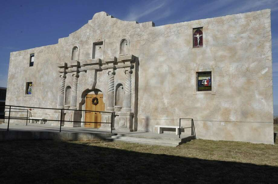 A 6,000 square-foot chapel resembling the Alamo was built by about 50 inmates in the Louisiana State Penitentiary in 38 days. Photo: Angolite Prison Magazine