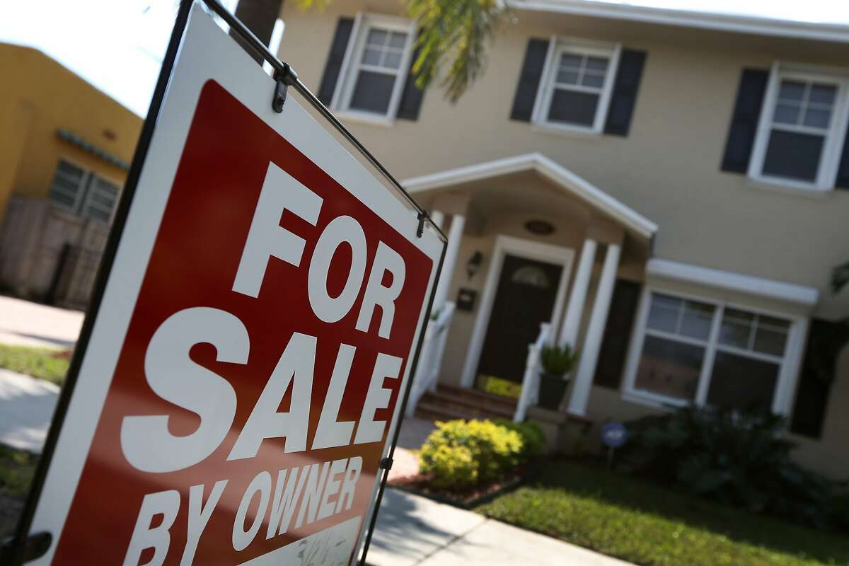 MIAMI, FL - FEBRUARY 25: A home is seen for sale on February 25, 2014 in Miami, Florida. The Case-Shiller home price index found that house prices for 2013 posted a gain of 13.4 per cent the biggest annual figure since 2005. (Photo by Joe Raedle/Getty Images)