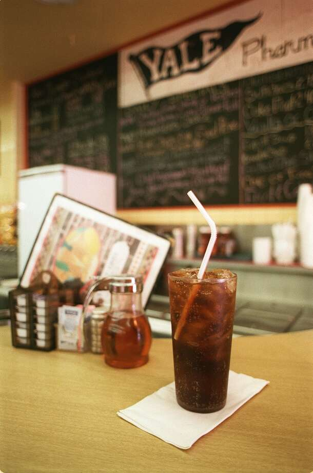 Yale Street Grill, 2100 Yale Street, Houston Photo: E. Joseph Deering, Houston Chronicle
