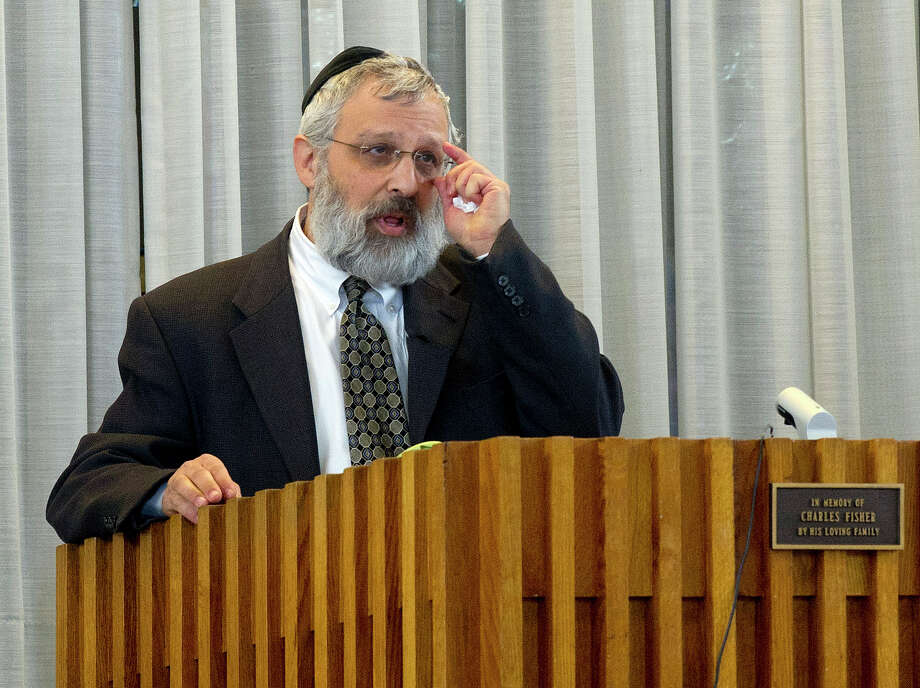 Bart Ehrenkranz gives a eulogy for his father, Rabbi Joseph Ehrenkrantz, at Agudath Shalom on Tuesday, February 25, 2014. Photo: Lindsay Perry / Stamford Advocate