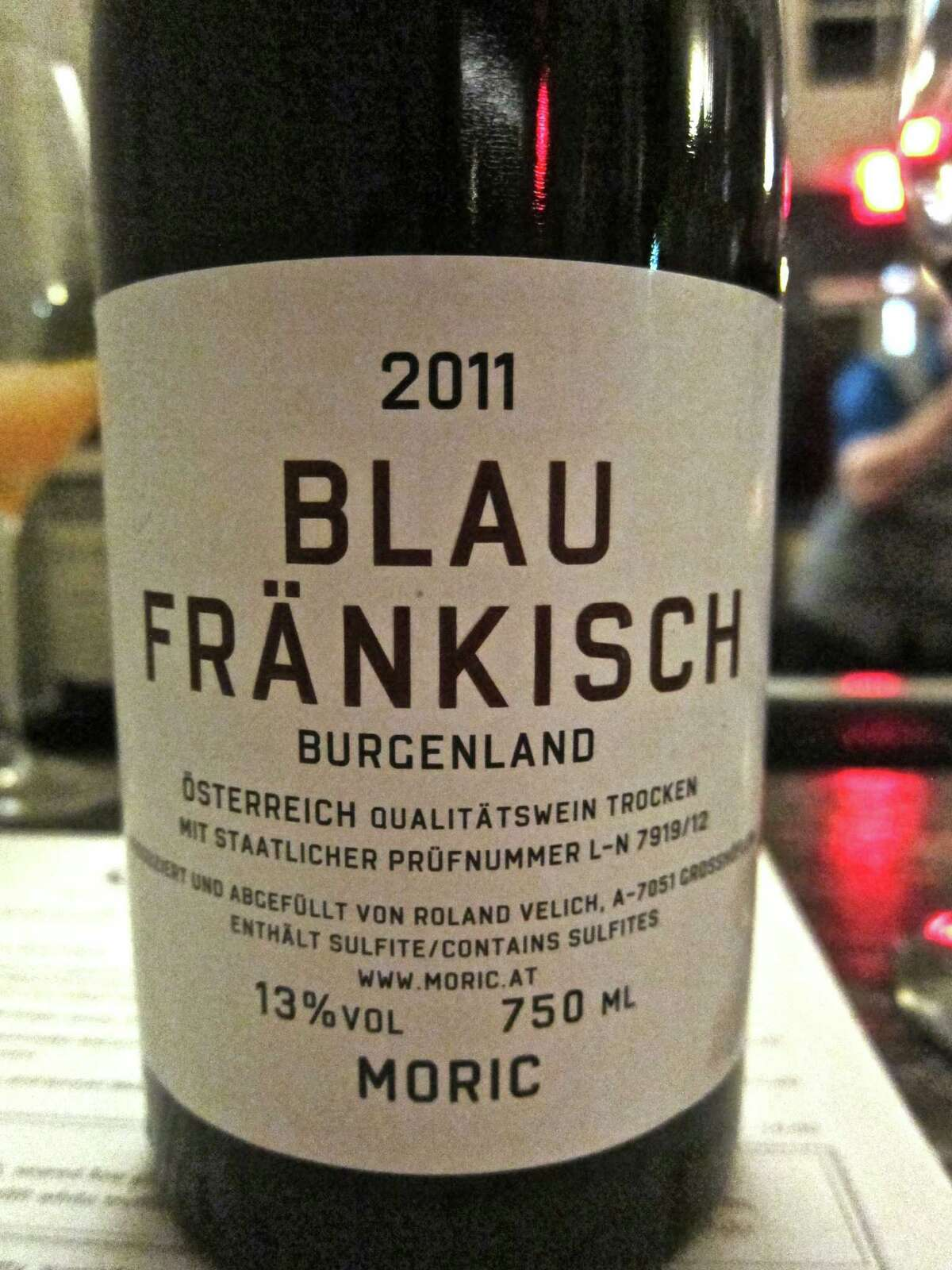 Moric Blaufré¤nkisch is an Austrian red wine that suits the Tejas Chili at 60 Degrees Mastercrafted.