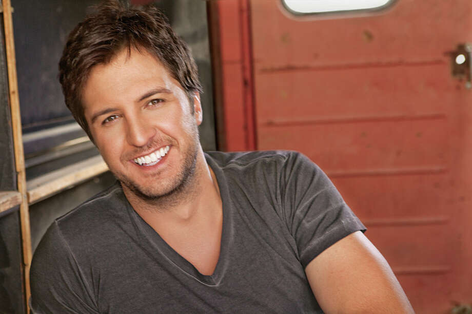 Luke Bryan accidentally crashed a wedding in Mexico during his sound check.A celeb crashing your wedding isn't a trend to expect in the upcoming year, but take a look at what you do have to look forward to in 2016. Photo: -- / ONLINE_YES