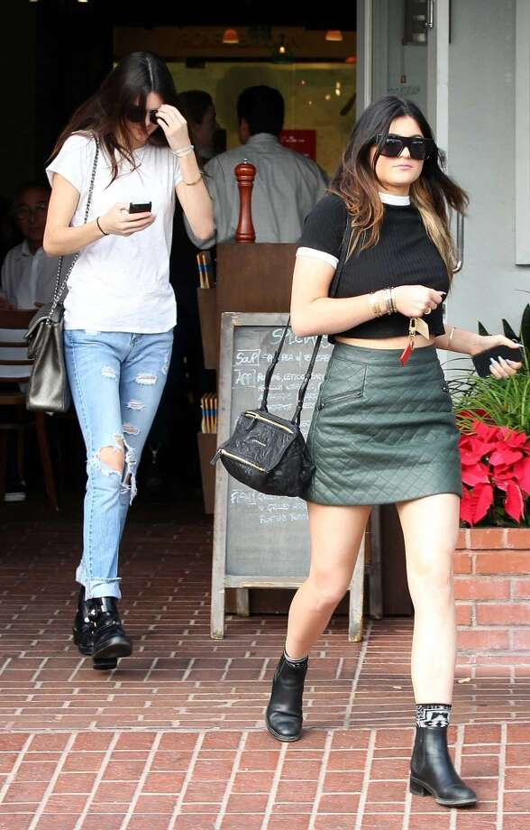 Celebrities Kendall Jenner and Kylie Jenner are seen leaving a Fred Segal store on December 18, 2013 in Los Angeles, California. Photo: Pixplus/Bauer-Griffin, GC Images
