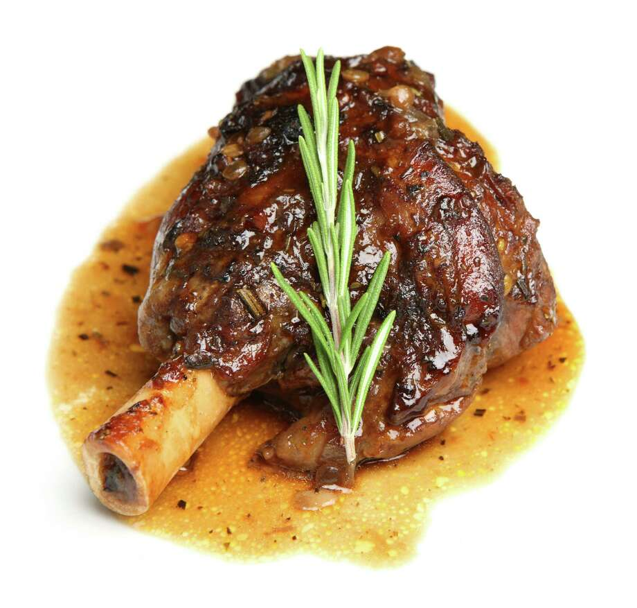 Lamb shank braised in an onion jus. / Joe Gough - Fotolia