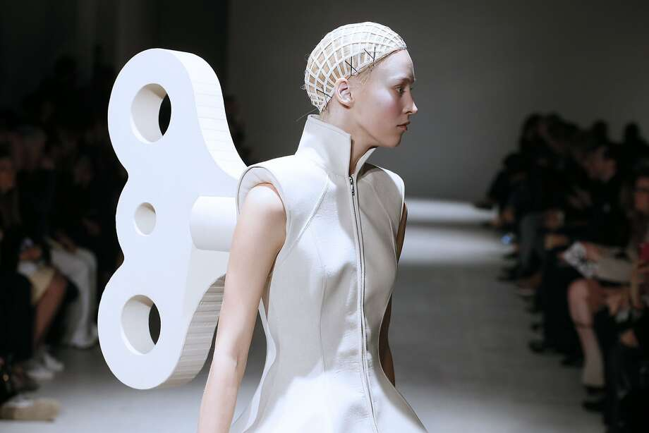 Paris Fashion Week winds downwith a creation by Gareth Pugh for the 2014/2015 Autumn/Winter collection. Photo: Patrick Kovarik, AFP/Getty Images