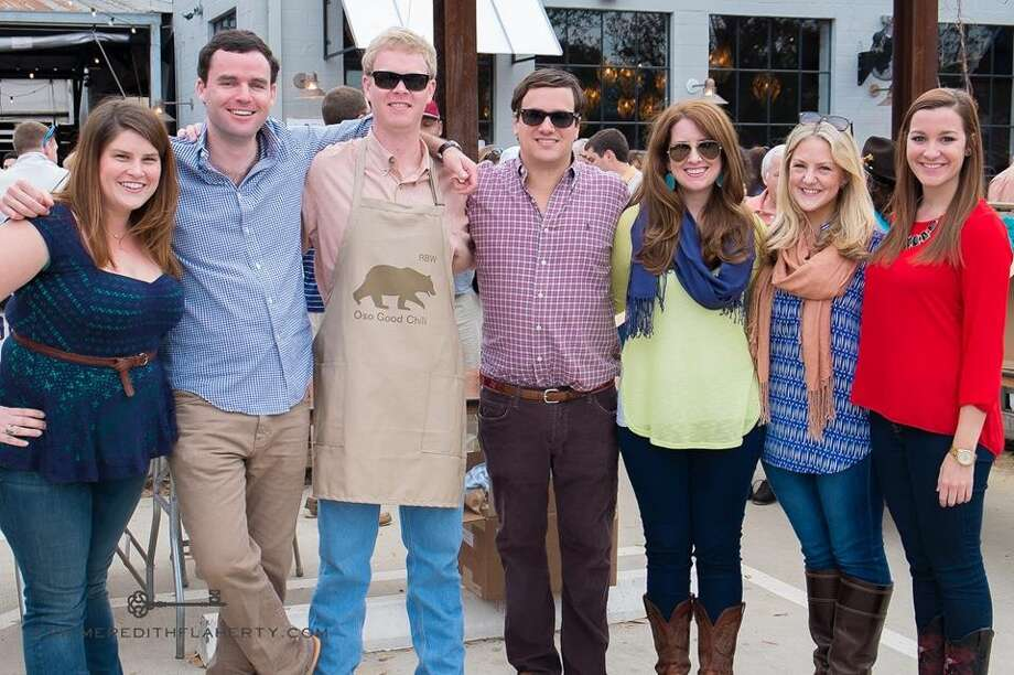 Meredith Flaherty, Tim Neuhaus, Bruce Wallace, Bard Dinerstein, Jaclyn Martin, Coralyn Mode, and Ally Hatz at Casa Esperanza's Young Professionals 4th Annual Chili Cook-Off on Feb. 22 at Cottonwood. (Photo: Meredith Flaherty Photography)