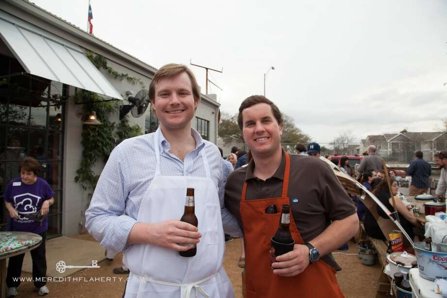 David Wood and Ben Brown at Casa Esperanza's Young Professionals 4th Annual Chili Cook-Off on Feb. 22 at Cottonwood. (Photo: Meredith Flaherty Photography)