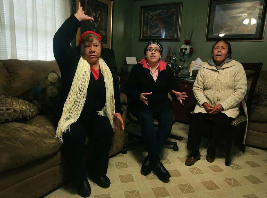 Elida Rivera, left, Denisse Rodriguez, center, and Maria Evelia Reyna, left, vent their feelings concering the possibility of being moved out of their homes in Mission Trail Mobile Home Park.  Wednesday, Feb. 26, 2014. Photo: BOB OWEN, San Antonio Express-News / © 2012 San Antonio Express-News