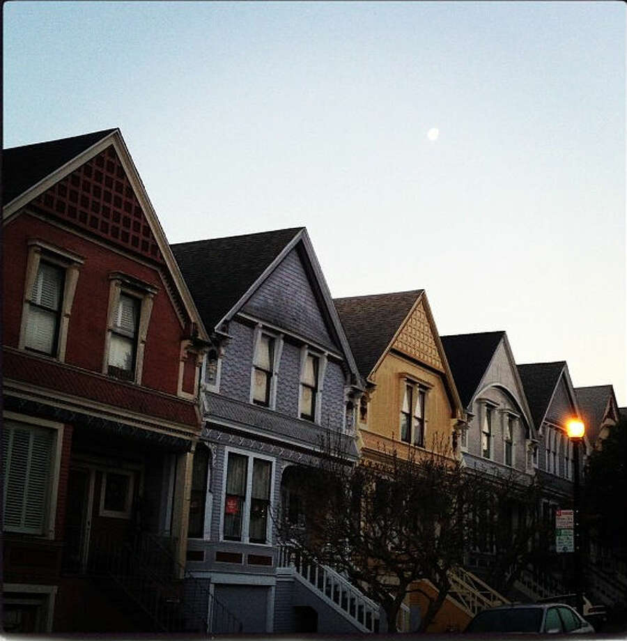 Kevin M., who goes by @martinkz, took this photo of the multicolored line of houses in the Castro, nearby where he lives on a February morning. His photo captures a taste of classic San Francisco architecture.